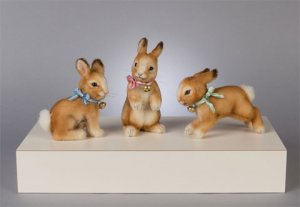 R. John Wright Hop, Plunk and Wobble Bunnies