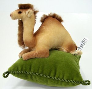 STEIFF CLUB Camel Pincushion 2005