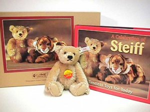 STEIFF Celebration Bear And Book Set