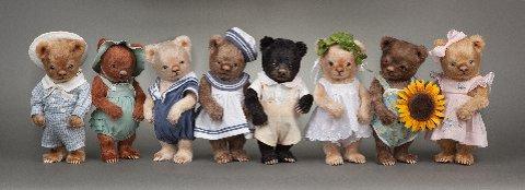 R. John Wright's Toddler Bears